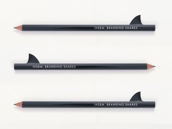 Карандаш, концепция «Акулы брендинга» для бизнес-школы «IHSBM». Разработчик - агентство «BrandLab», 2012г.