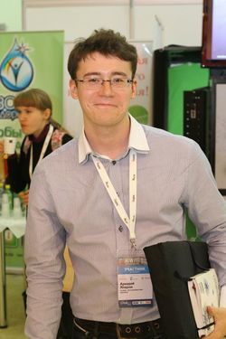 Аркадий Япаров, специалист по маркетингу eLama.ru