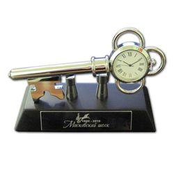 Cувенирные настольные часы «Ключ к успеху» от «Дельфин - море сувениров» для ЗАО «Московский шелк»